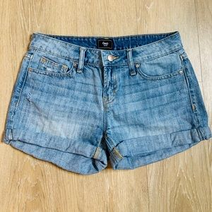 🎉5 for $25🎉 Gap Rolled Denim Shorts